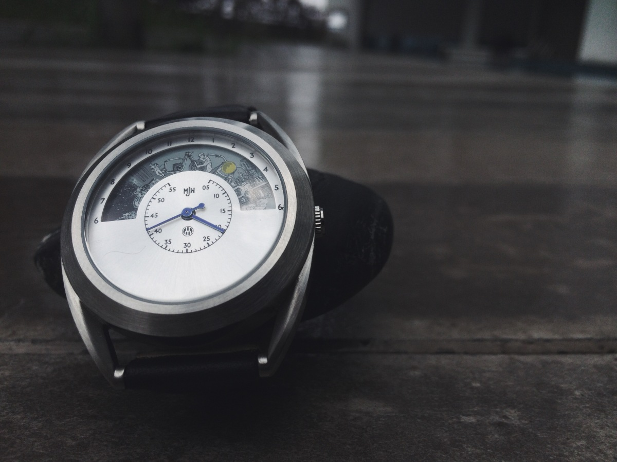 #LookCloser - Mr. Jones Watches - The Motochrono